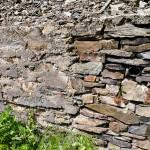 Die Verfugung alter Trockenmauern zerstört wichtige Lebensräume